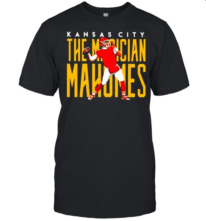 Kansas City The Magician Mahomes Football shirt Classic Men's T-shirt