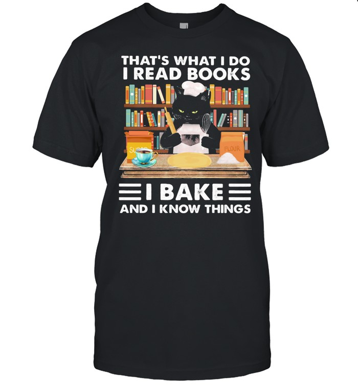 That's What I Do I Read Books I Back And I Know Things Black Cat shirt Classic Men's T-shirt