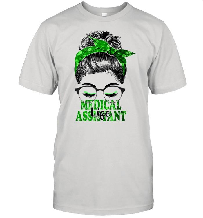 Lucky Medical Assistant St Patricks Day Irish Shamrock Nurse shirt Classic Men's T-shirt