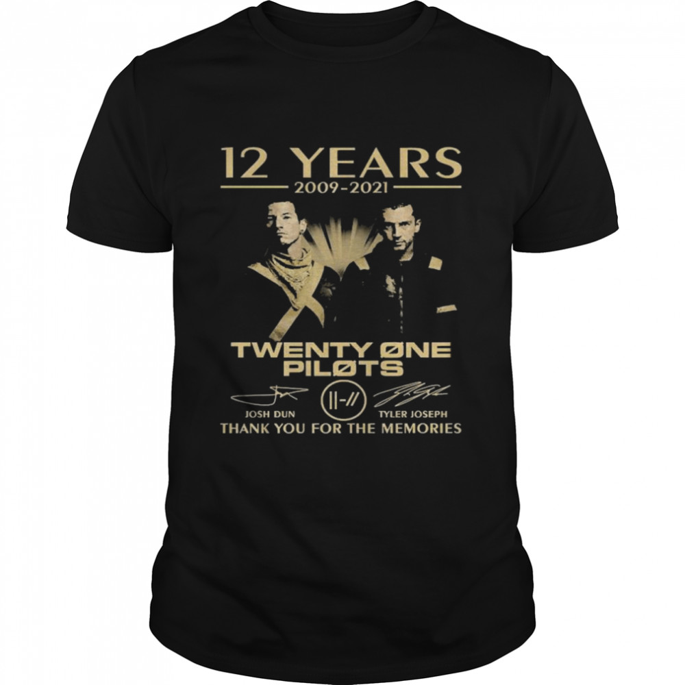 12 Years 2009 2021 Twenty One Pilots Thank You For The Memories Signatures  Classic Men's T-shirt