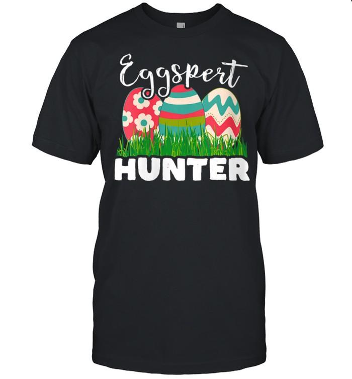 Eggspert Hunter Easter Egg shirt Classic Men's T-shirt