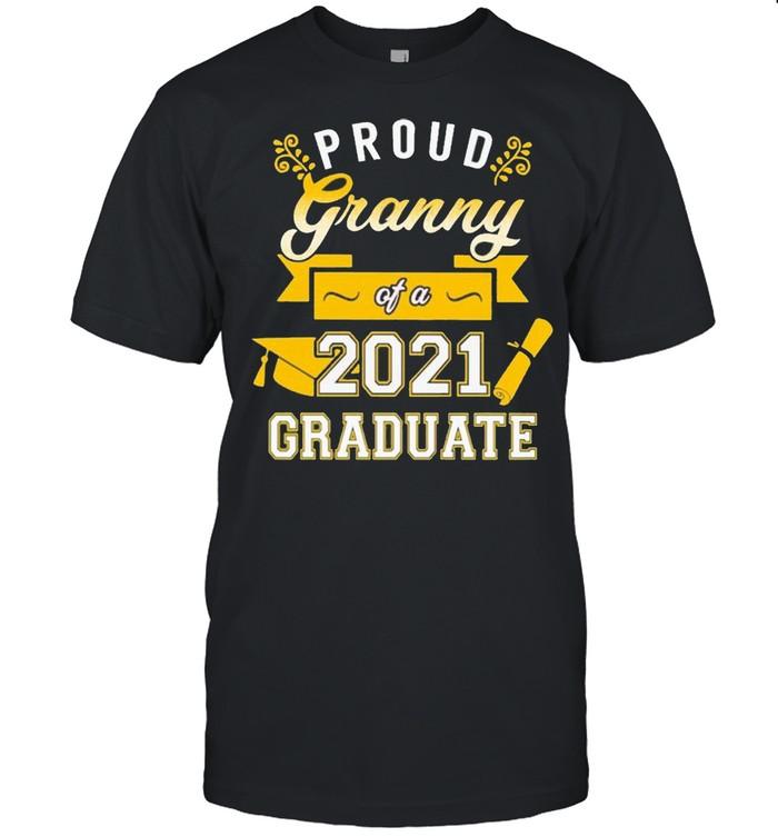 Proud Granny of a 2021 Graduate gold shirt Classic Men's T-shirt
