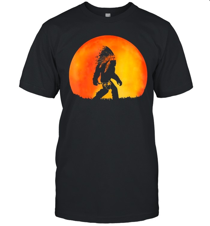 The Bigfoot Native American With Red Moon shirt Classic Men's T-shirt