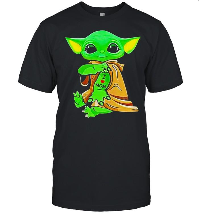 Baby Yoda Tattoo I Love Mom  Classic Men's T-shirt