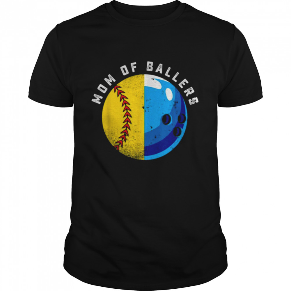Proud Mom of Ballers Daughter Softball Son Bowling Player  Classic Men's T-shirt