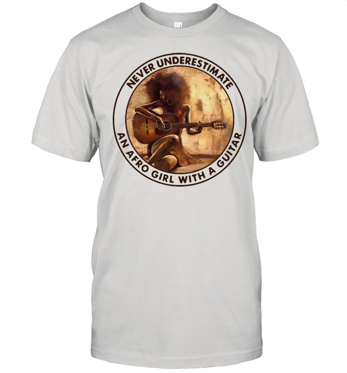 Never Underestimate An Afro Girl With A Guitar Vintage T-shirt Classic Men's T-shirt