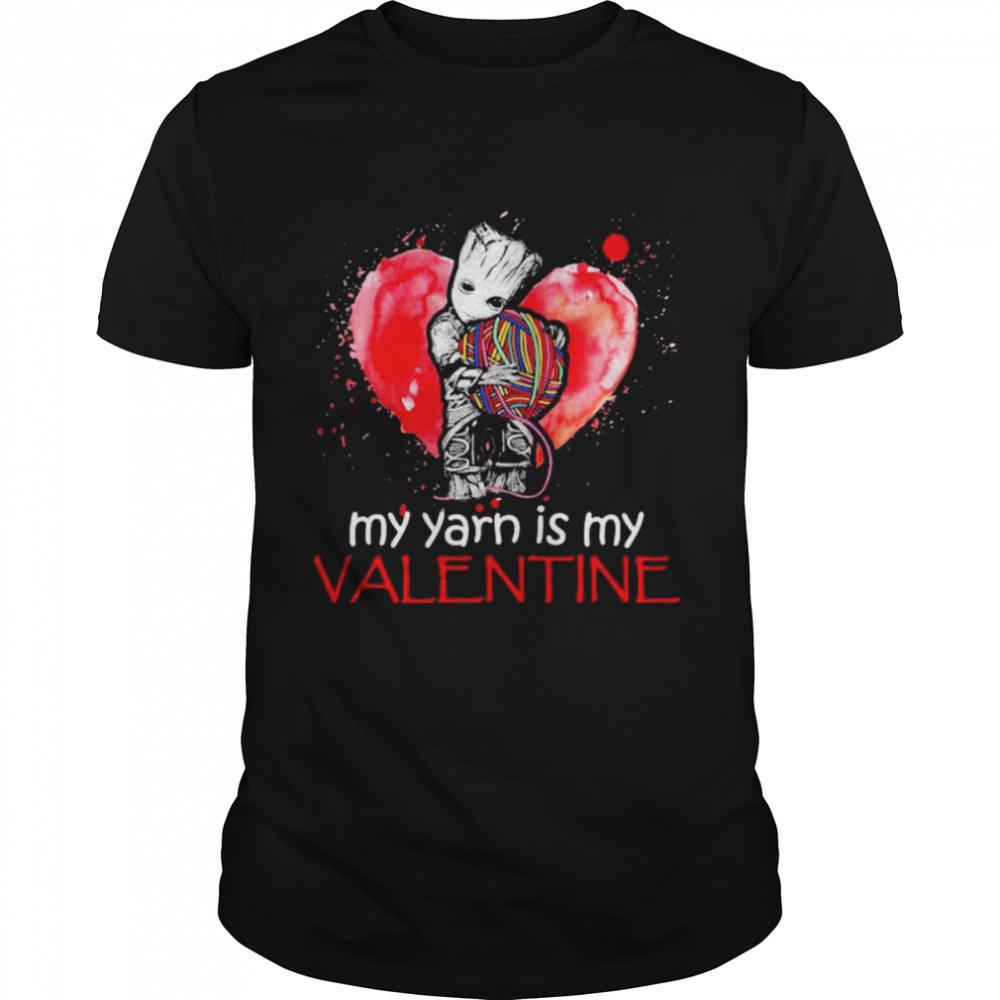 My Yarn Is My Valentine Heart Baby Groot Hug Vrochet Knit  Classic Men's T-shirt