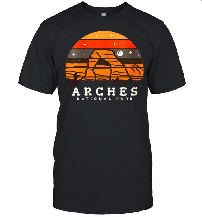 Womens Arches National Park Moab Utah Vintage shirt Classic Men's T-shirt