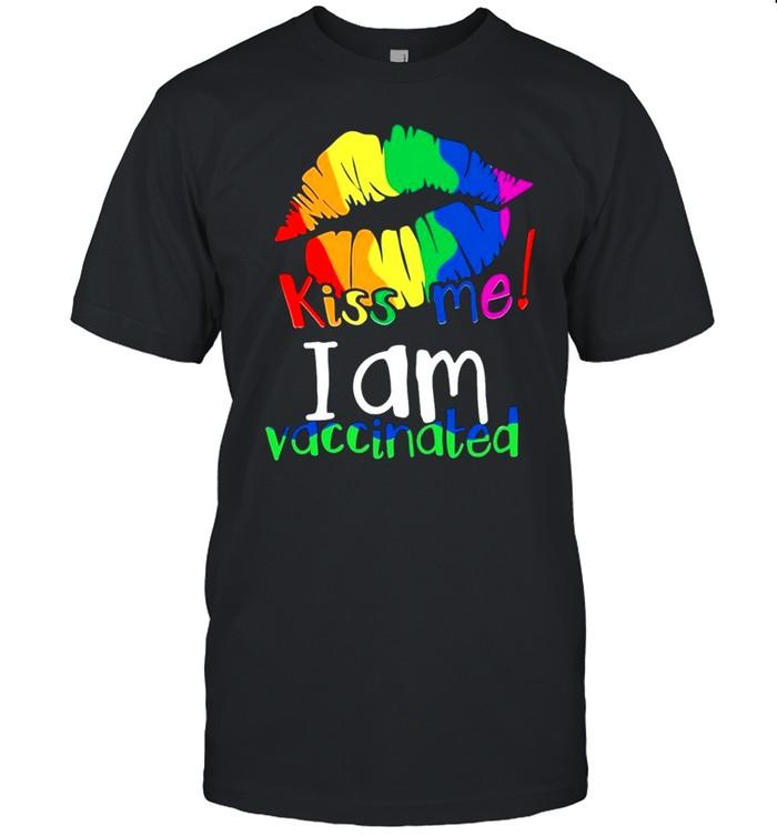Lips kiss Me I am vaccinated color shirt Classic Men's T-shirt