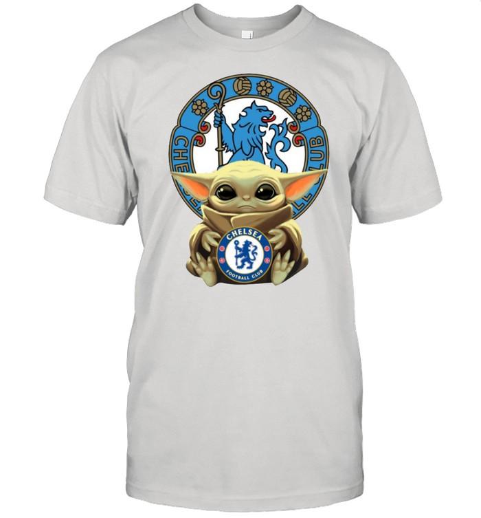Baby yoda hug Chelsea logo 2021 shirt Classic Men's T-shirt