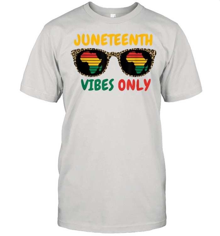 Juneteenth Vibes Only Black Pride Freedom Sunglasses Leopard T- Classic Men's T-shirt
