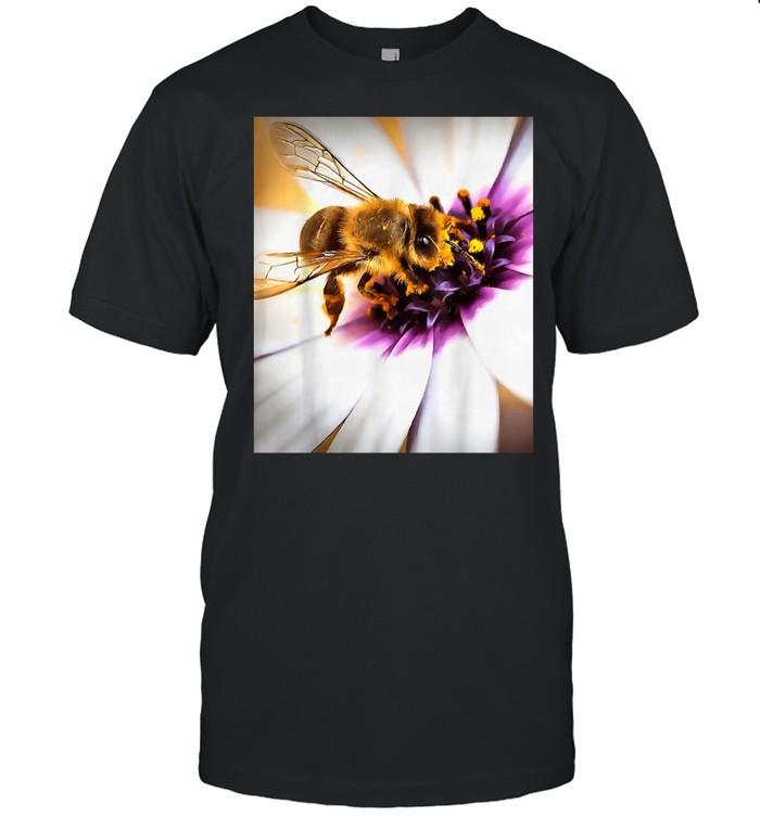 Honey Bee On African Daisy Acrylic Art shirt Classic Men's T-shirt