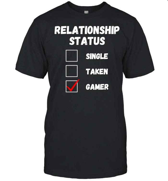 Relationship Status Single Taken Gamer, Gaming shirt Classic Men's T-shirt