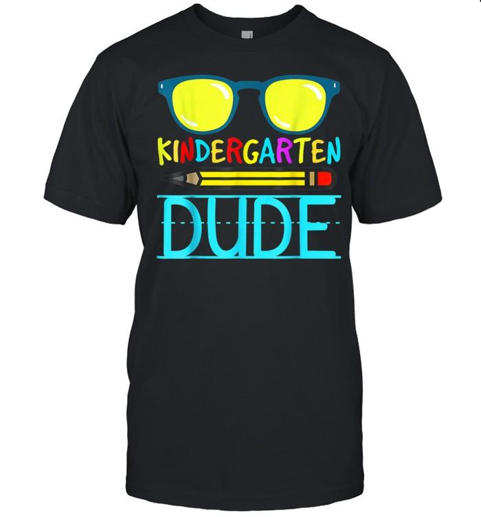 Kindergarten Dude First Day Back trendinh shirt Classic Men's T-shirt