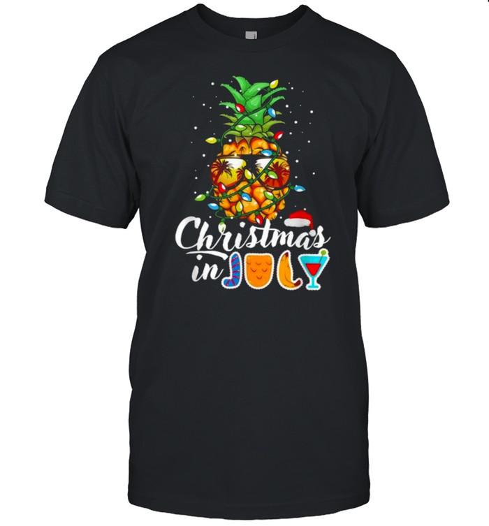 Christmas in July Pineapple Christmas Tree Lights Sunglasses T- Classic Men's T-shirt