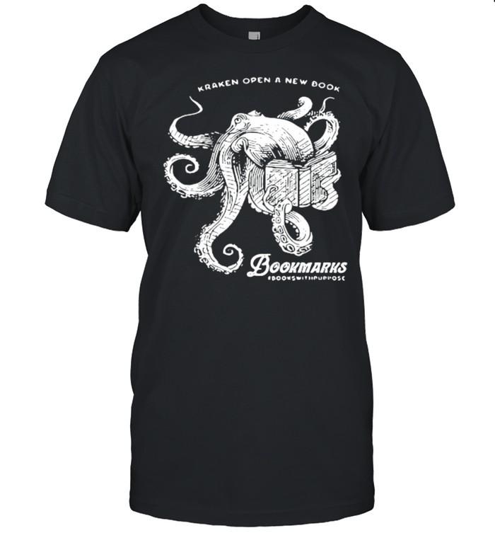 Kraken open a new book bookmarks shirt Classic Men's T-shirt