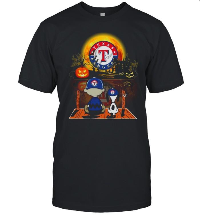 Snoopy and Charlie Brown Pumpkin Texas Rangers Halloween Moon shirt Classic Men's T-shirt
