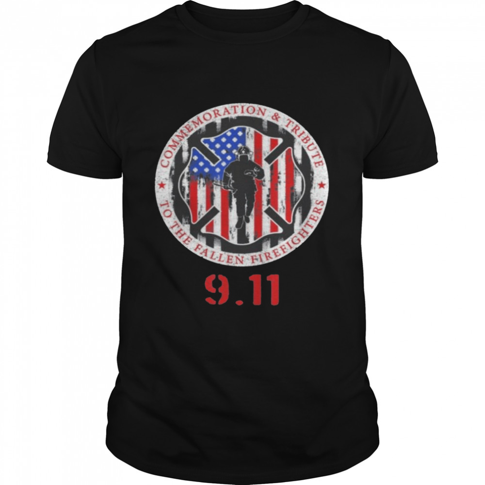In Memory And Honor Of Firefighters Remembering 9 11  Classic Men's T-shirt